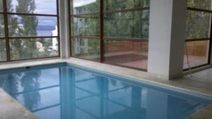 The swimming pool at or near Bariloche Downtown 2