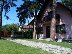 Galamb Villa
