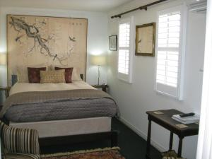 Three Chimneys Bed and Breakfast Boutique Guest House