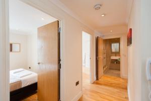 A bathroom at London Serviced Apartments