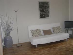A seating area at Apartman u Hradcan