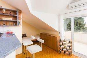 Sunlit Comfort Apartments
