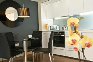 A kitchen or kitchenette at Fraser Residence Bishopsgate