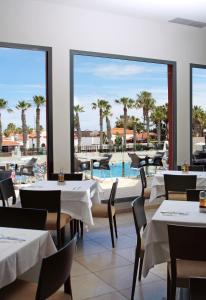 Restoran ili drugo mesto za obedovanje u objektu Caybeach Caleta