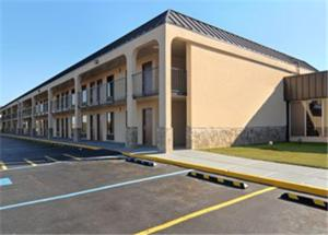 Picture of America's Best Value Inn Newnan