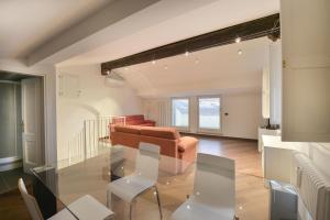 Moline Halldis Apartment