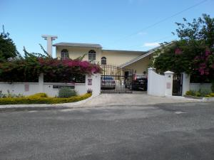 The Royal Kensington Villa 4