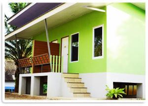 Happy House Resort