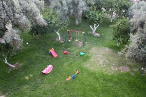 Ο χώρος παιχνιδιού για παιδιά στο Apartments Avra