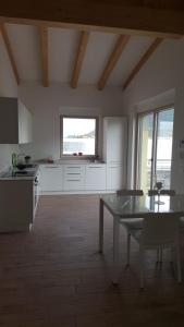 A kitchen or kitchenette at Casa Europa