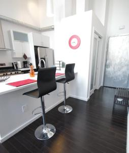 Picture of 3BR 2BA Lux Duplex by Convention Center