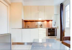 A kitchen or kitchenette at Apartment Notre Dame Bright