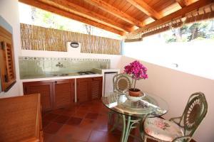 Una cocina o zona de cocina en Villa Crimi