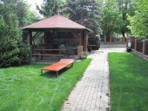 A garden outside Zrínyi ház