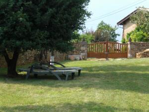 A garden outside La Brasse