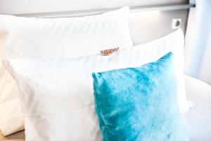 Luxstay 객실 침대