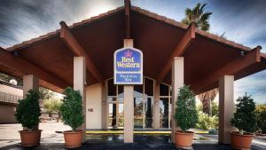 Picture of Best Western Valencia Inn