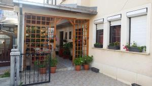 House Kostoski