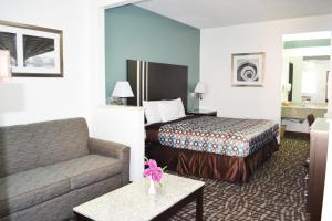 Picture of Relax Inn Motel and Suites Omaha