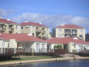 Waterside Living MS08