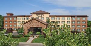 Picture of Oxford Suites Chico