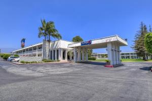 Picture of Motel 6 Claremont
