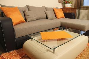 A seating area at Carpe Diem Apartments