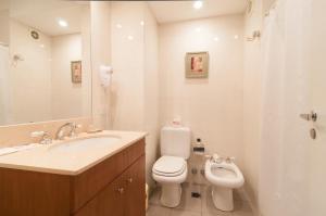 A bathroom at Trianon Residence Recoleta