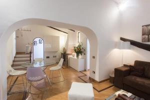 Frattina Terrace Apartment
