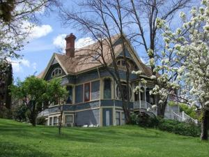 Picture of Robin's Nest Bed & Breakfast