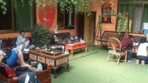 Lhasa Lexun Sama Yiyi inn
