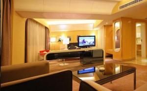 Piling Yixiang Hotel