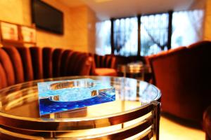 Super 8 Hotel Yinchuan Lijing Lake Park
