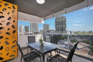 condo hotel ramada suites zen quarter darwin australia. Black Bedroom Furniture Sets. Home Design Ideas