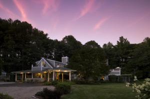 Picture of Abbey's Lantern Hill Inn