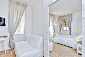 Giuliana Charming Rooms