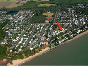 A bird's-eye view of Pacific Sands Apartments
