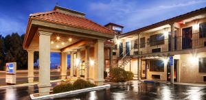 Picture of Best Western Desert Villa Inn
