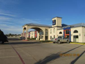 Picture of Executive Inn and Suites Wichita Falls