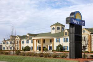 From 99 Picture Of Days Inn Shallotte