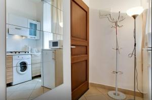 A bathroom at Apartments U Staropramenu