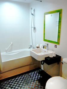 Young Soarian Hotel - Tainan