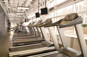 Fitness center at/o fitness facilities sa Oakwood 200 Squared