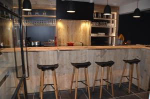 De lounge of bar bij Arte33