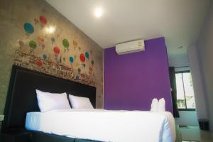 B-Cozy Hotel