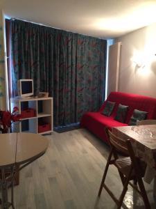 The lounge or bar area at Le Balcon De Villard