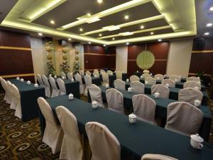 New Century Hotel Tongxiang