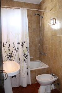 A bathroom at Casa Miret