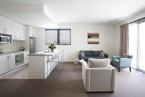 Virtuvė arba virtuvėlė apgyvendinimo įstaigoje Quest Glen Waverley