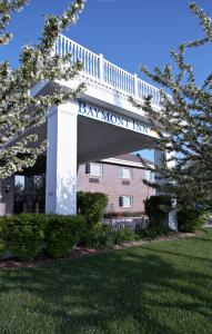 Picture of Baymont Inn and Suites Des Moines Airport